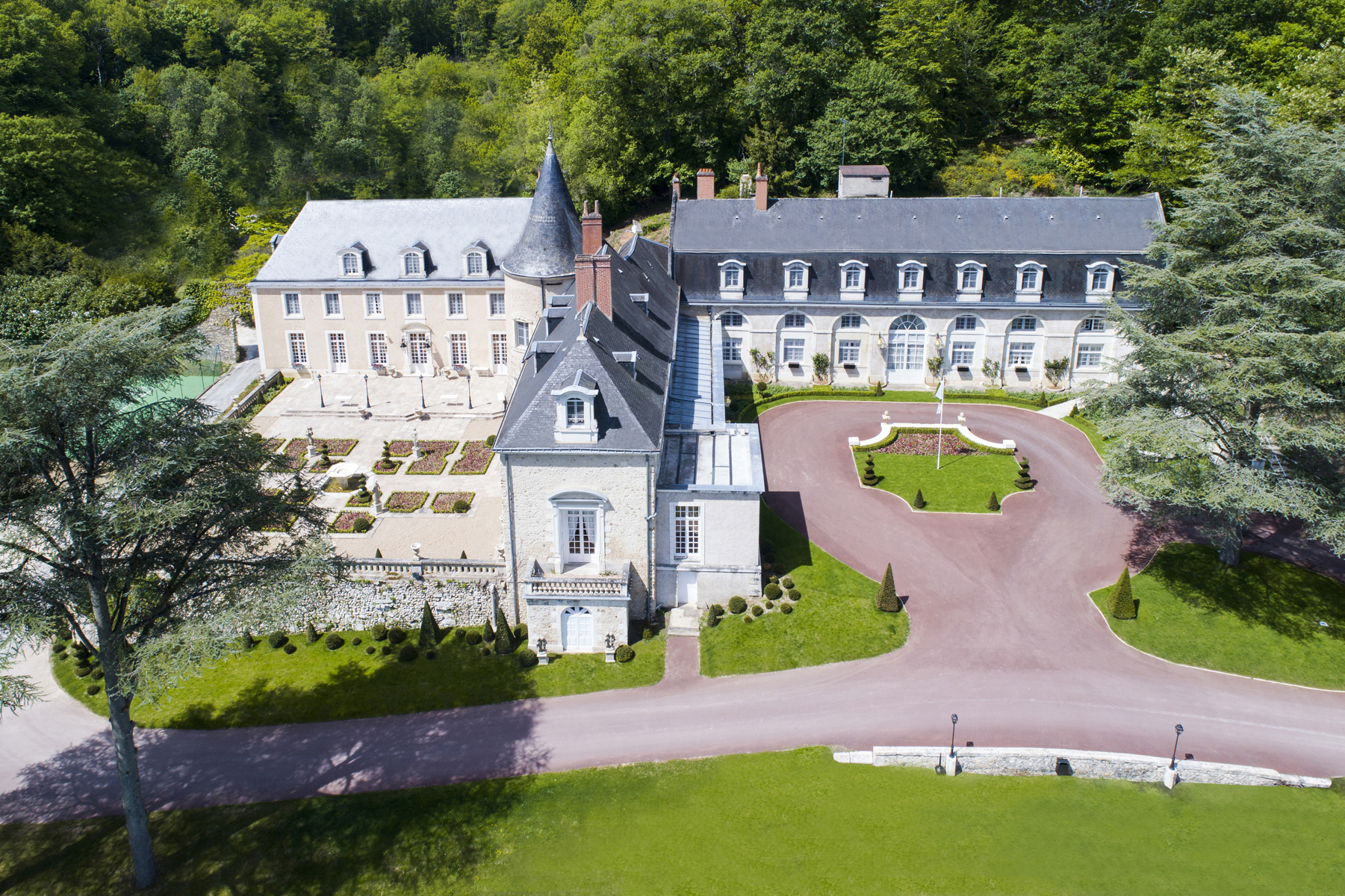 Château de Beauvois **** | Wedding Loire Valley | Younan Collection