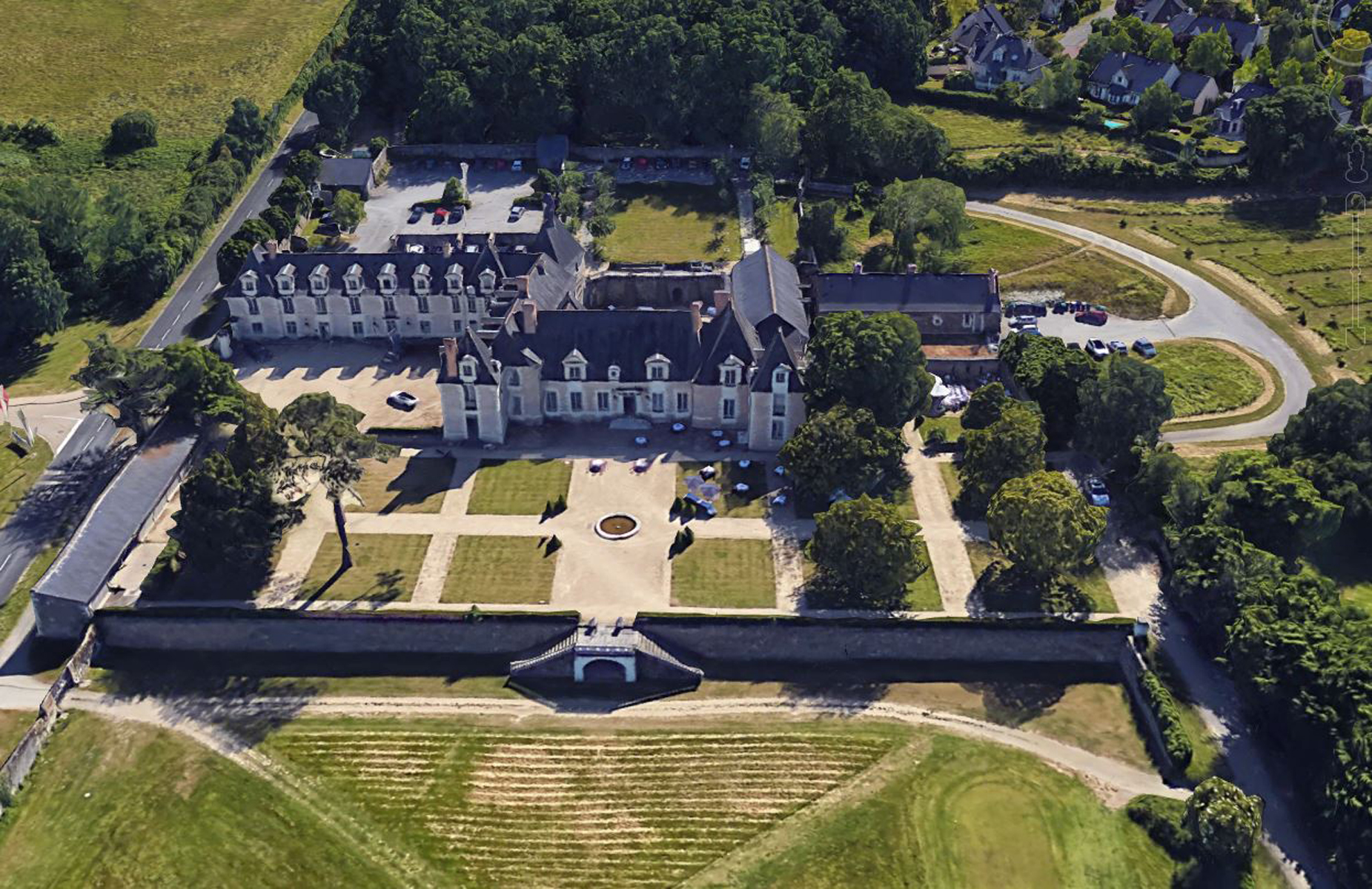 Château de la Perrière | restaurant loire valley | Weddings & Events | Younan Collection